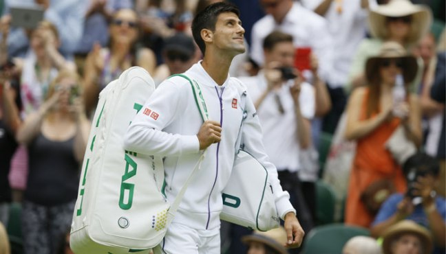 502814-novak-djokovic-looks-up