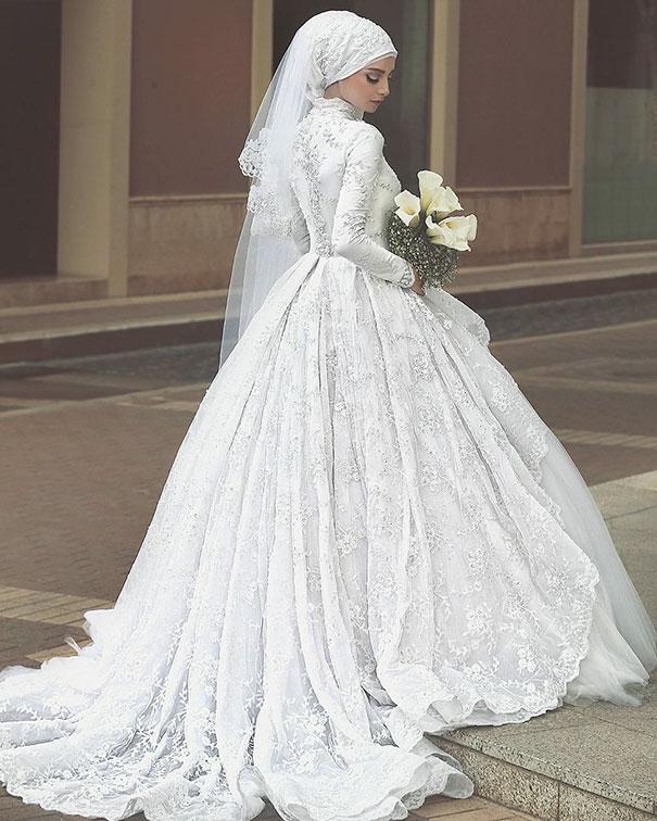 hijab-bride-muslim-wedding-69-57d6a1c2737d3__605
